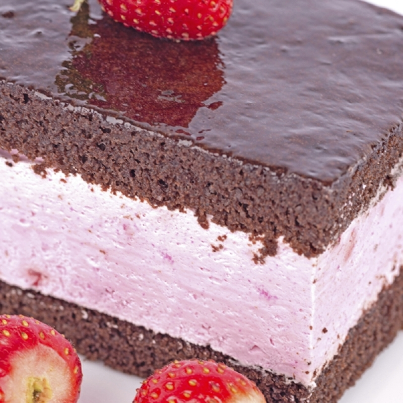 strawberry mousse filling for wedding cake chocolate cake with strawberry mousse filling recipe 20541