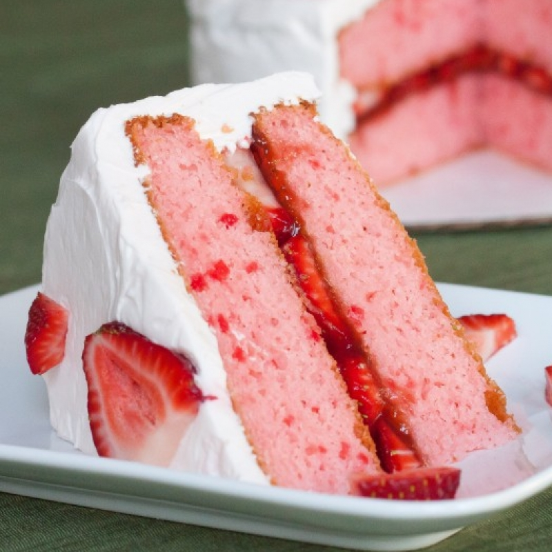 Strawberry Cake With Cream Cheese Recipe